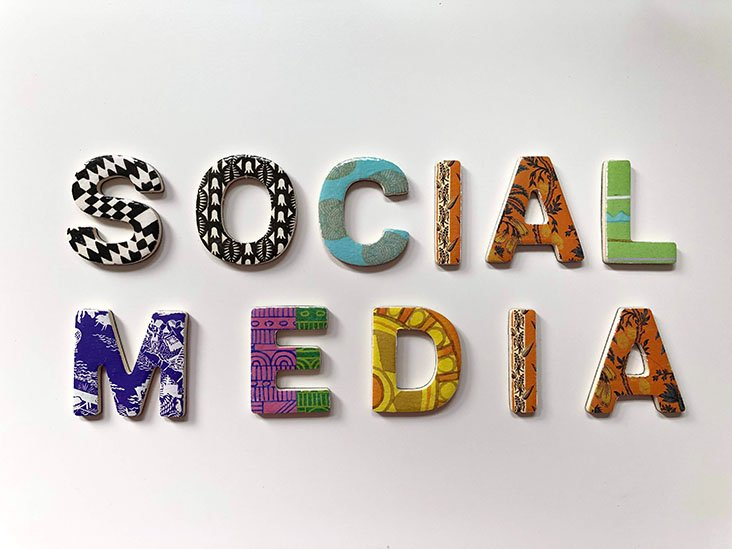 monitor the social media trend